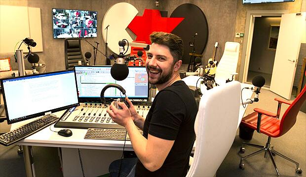 «Новое радио» запустило эфирное вещание из новой современной мультимедийной студии